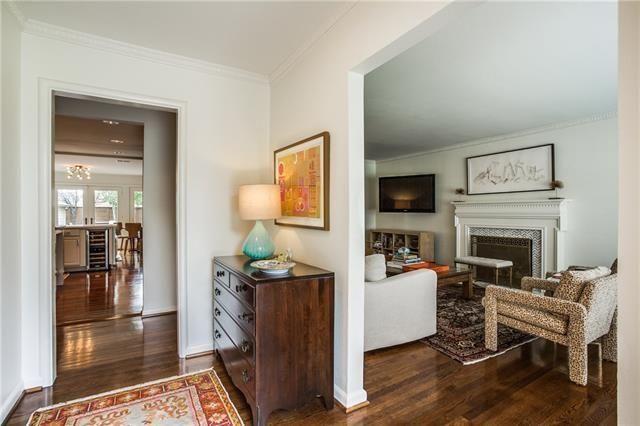 Lakewood Mid Century Home6926 Kenwood Ave 4