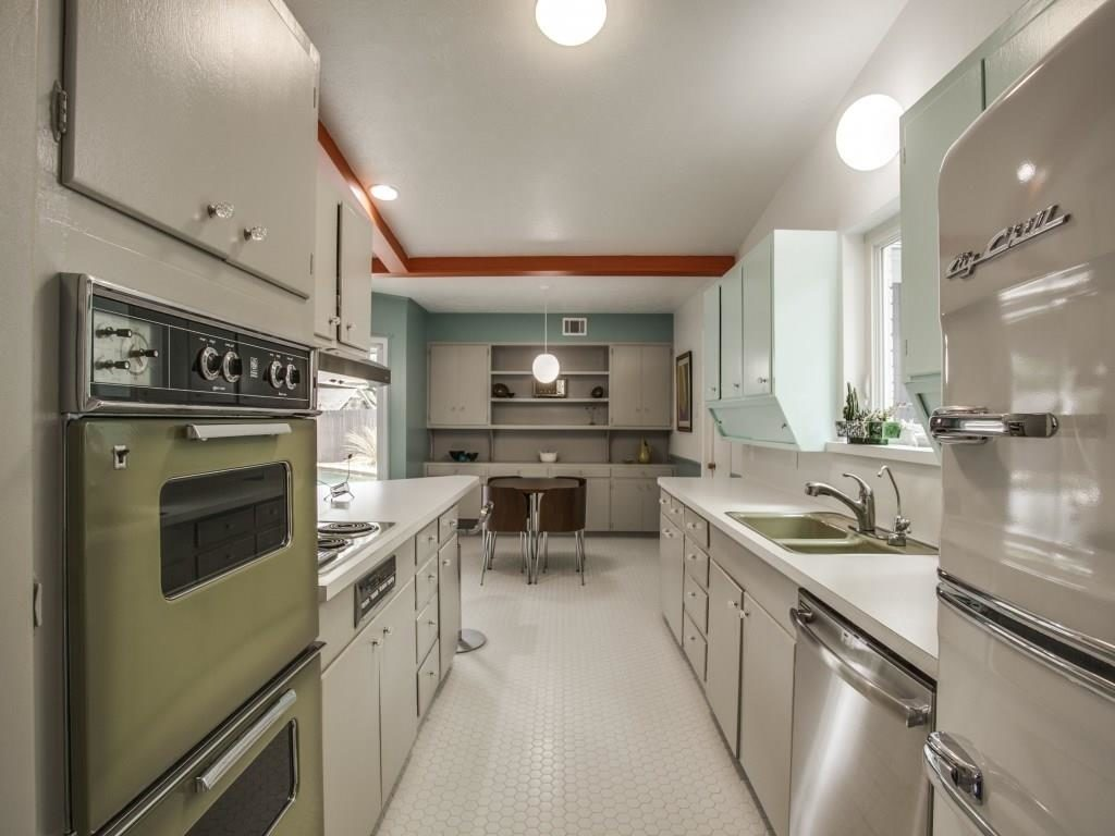 3356 Merrell Kitchen 2