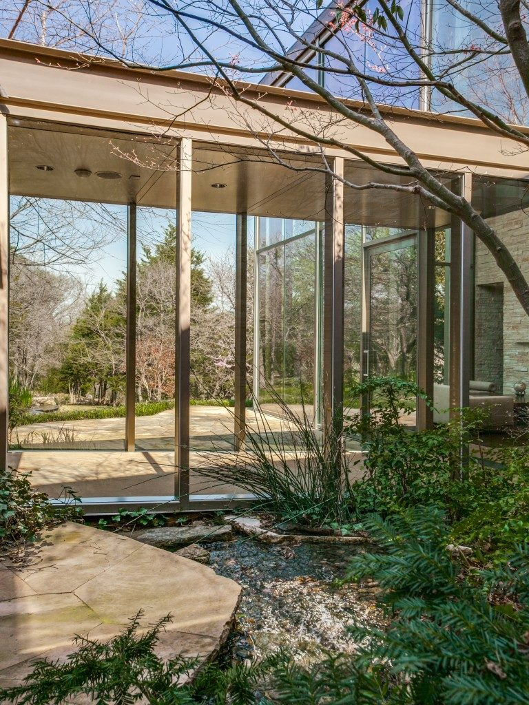 The Glen Abbey Glass House 40-braewood-pl-dallas-tx-MLS-4