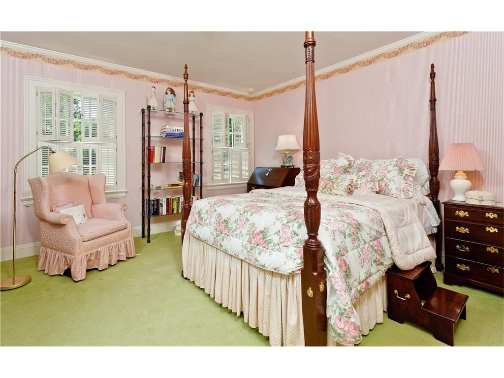 4248 Armstrong bedroom pink