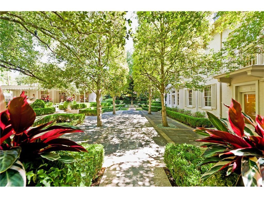 4248 Armstrong gardens