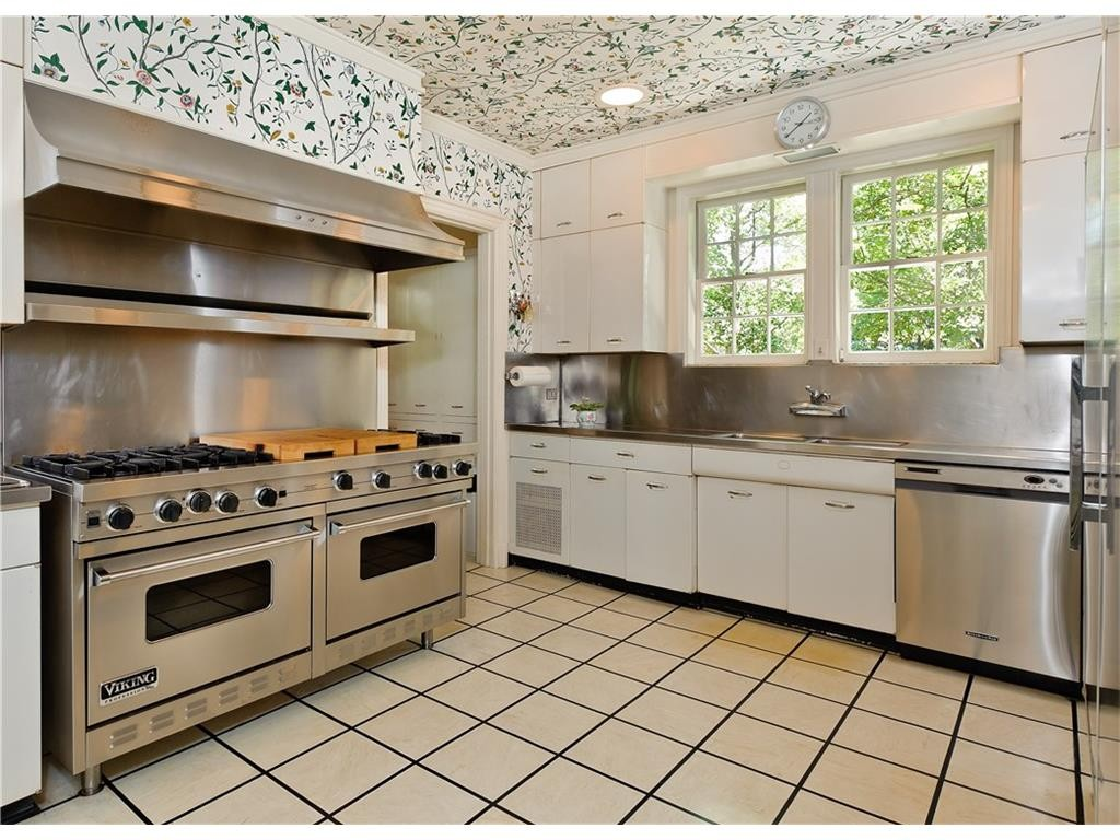 4248 Armstrong kitchen