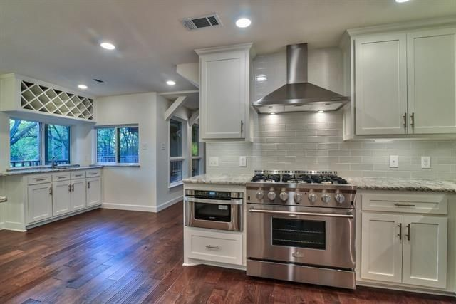 4904 Racquet Kitchen 2