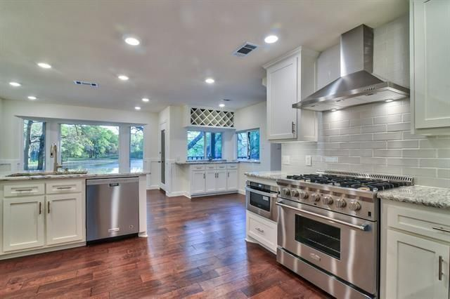 4904 Racquet Kitchen