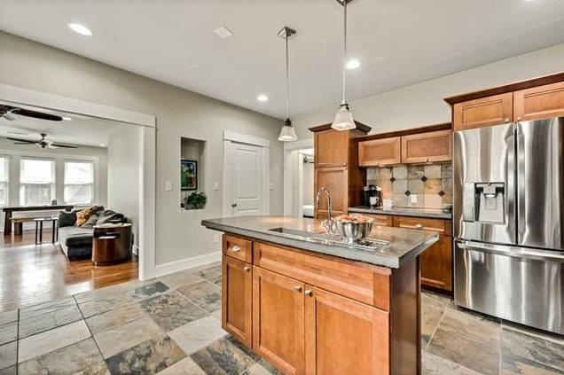 5544 Goodwin Kitchen 2