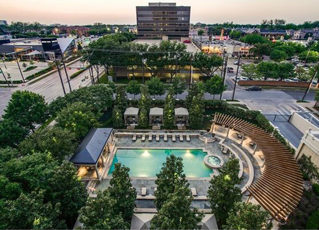 Amenity Deck at Turtle Creek's Vendome