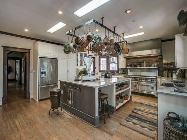 4839 Junius Kitchen 2