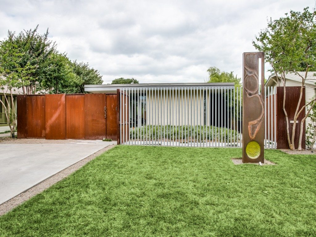 Ed Murchison Lists Midcentury Modern-Inspired Home in East Dallas