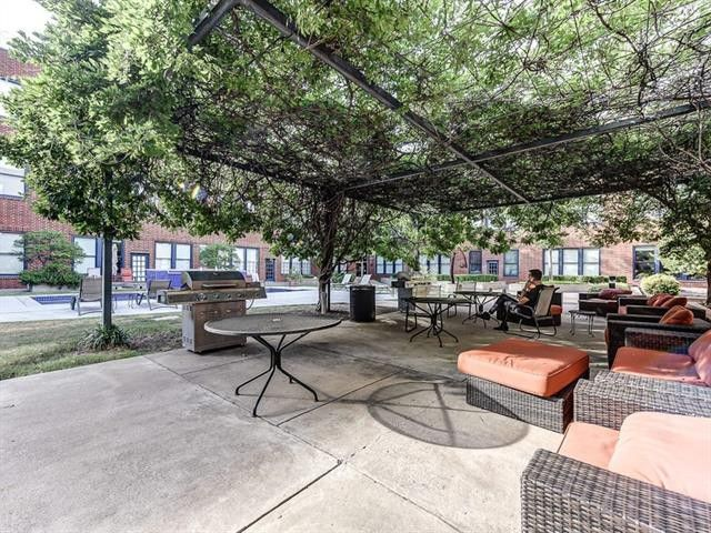 live oak condo