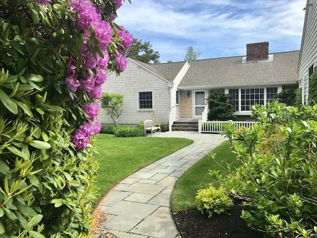 Splurge vs. Steal: Two Gorgeous Cape Cod Houses in Chatham, Massachusetts