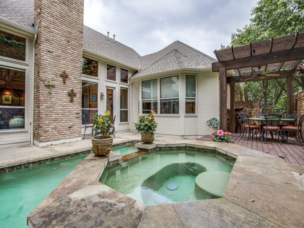 the most colorful home in preston hollow