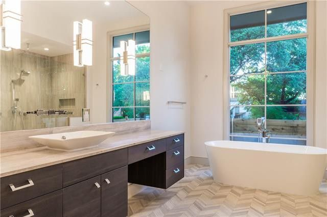 Kitchens and Bathrooms Take Center Stage in these Three DFW Luxury Homes   CandysDirt.com