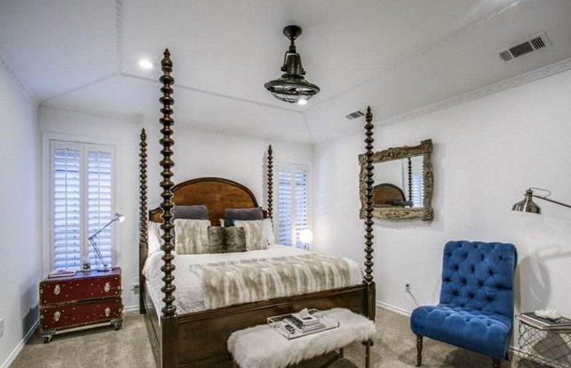 An Updated Plano Home Right Off The Chisholm Trail