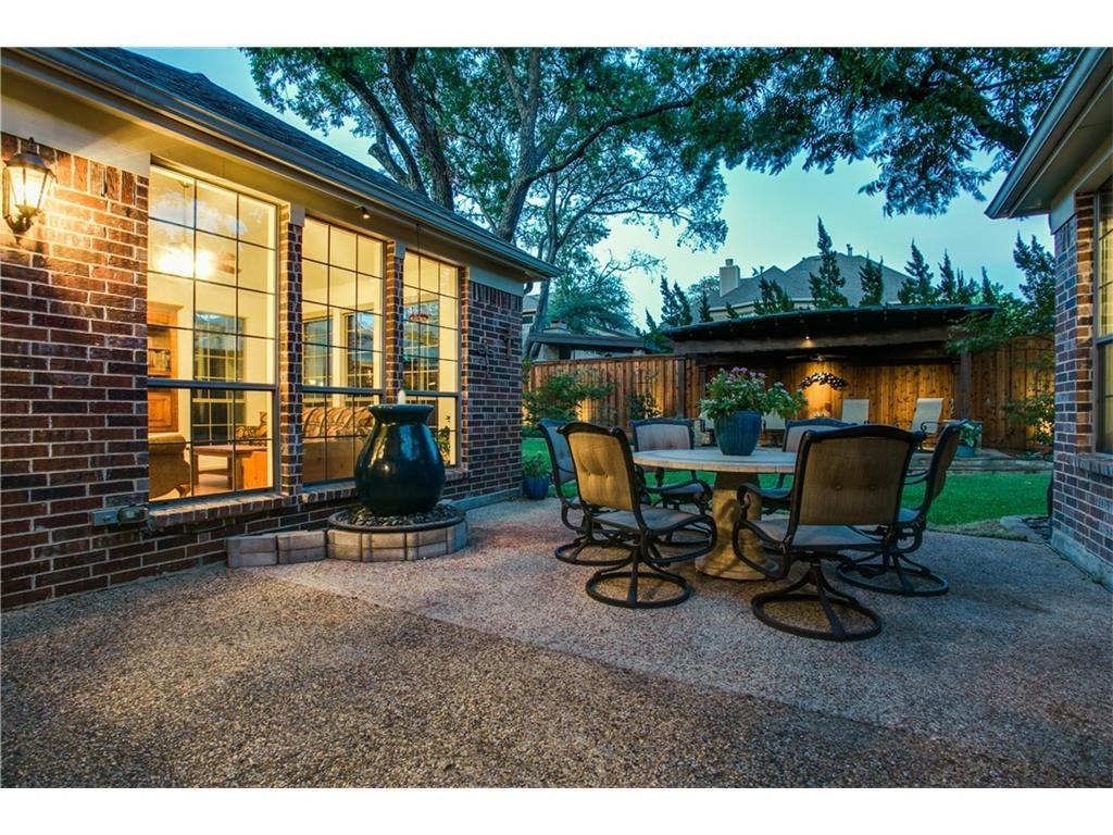 8312 Ridgelea patio