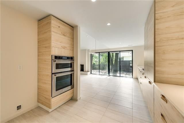 Sleek Sophistication Looks Clean and Contemporary in Kimball Square | CandysDirt.com