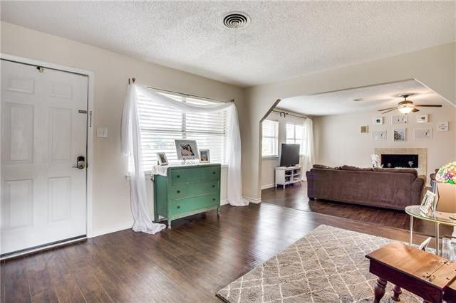 Head North to Farmers Branch and Take in this Home's Sweet, Updated Style | CandysDirt.com