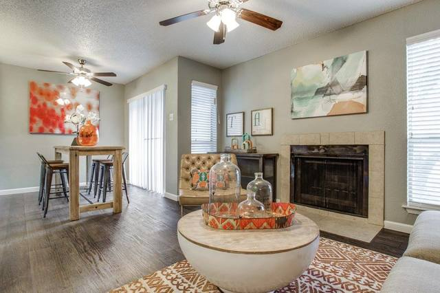 These beautiful Dallas-area apartments include fireplaces perfect for a visit from Santa. Don