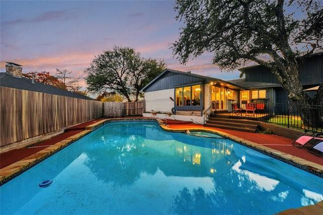 Striking Brookshire Park Contemporary Soars In Our Dallas Open Houses