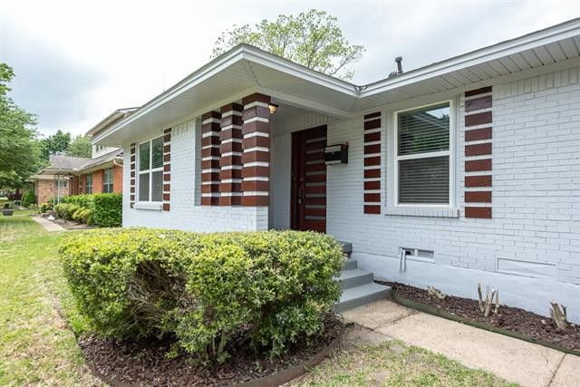 Find Your Affordable East Dallas Family Home in Linda Heights | CandysDirt.com