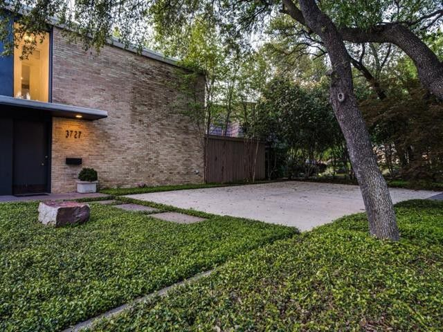 Splurge vs Steal: Two Contemporary Homes Near the Dallas Medical District | CandysDirt.com