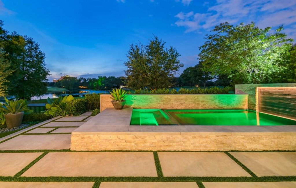 Latest Pool This modern pool by Harold Leidner Landscape Architects incorporates some  of the latest and greatest design trends.