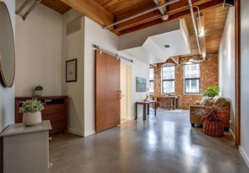 Historic Downtown Elm Street Loft Within Blocks of Tons of Amenities