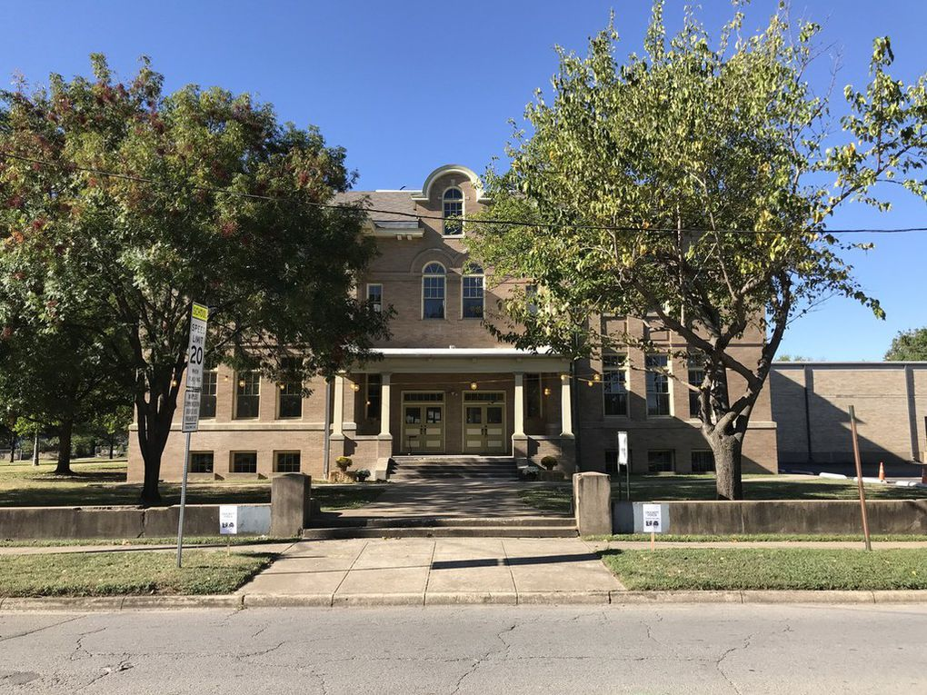 Everything about this place is an oxymoron. It's old-fashioned modern. It's historic luxury. It's educational meets residential. Potential renters can now lease a studio, one-bedroom, or two-bedroom unit in the 1903 repurposed Davy Crockett School in East Dallas.