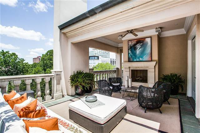 It's large and gorgeous and tucked away in the exclusive Regents Park neighborhood, but more importantly, it's got closet space for days. This four-bedroom contemporary home at 2908 Hood St., Dallas, is just the 'hood you've been looking for.