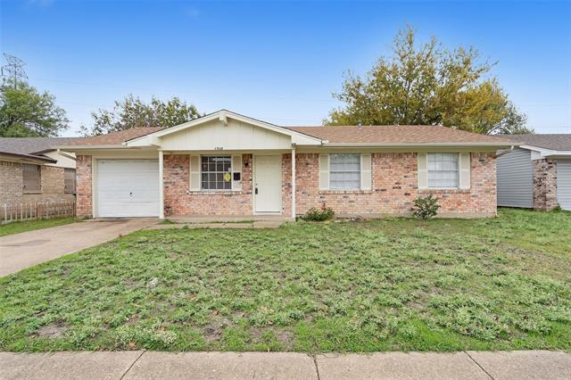 With commencement ceremonies around the corner for local colleges and universities, plenty of college grads will be looking for starter homes in the Dallas area. You won't find a better price tag for a three-bedroom, one and one-half bathroom home in Highland Hills West than $143,000. It can also be rented for $1,295 per month.