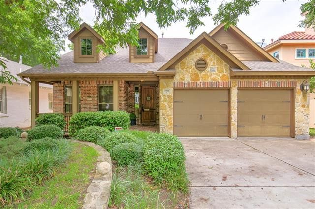 "This home in the Fort Worth culture center has quite a few ""wish list"" features – most importantly, a price tag you can actually work with, especially as those holiday gift bills stack up on your granite counter top."