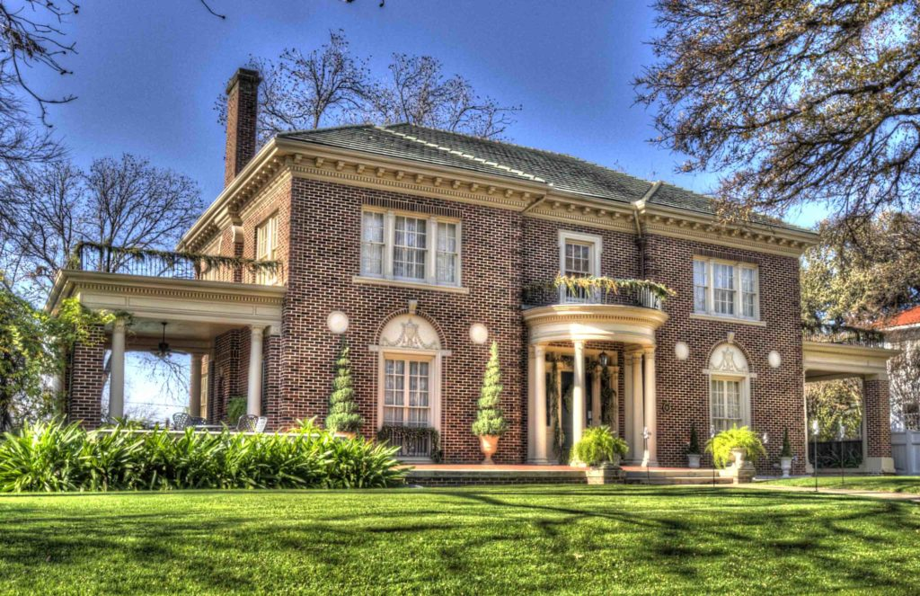 Winnetka Heights Holiday Home Tour Archives - CandysDirt.com