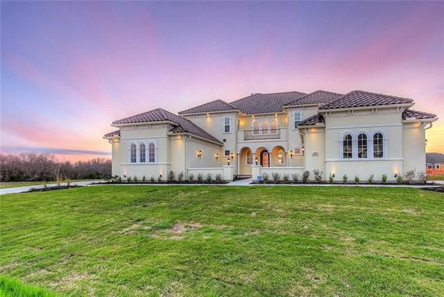 Let's face it – the fun part of scrolling through Candy's Dirt is looking for celebrity homes, multi-million-dollar mansions, and unusual finds like an indoor swimming pool. Rentals and Weekend One Hundreds don't always offer the greatest wow factor, but this rental in Fairview served it up in spades. (Originally published Nov. 17, 2019).