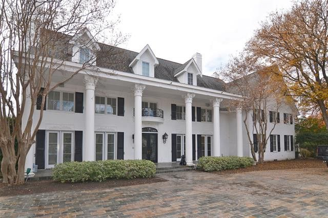 There's a $2 million Preston Hollow estate up for grabs, and we suggest you run, don't walk, to 5942 Colhurst St.