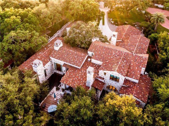 Tuscan-style farmhouse