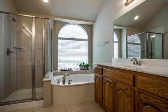 2126 Hollow Way Master Bath