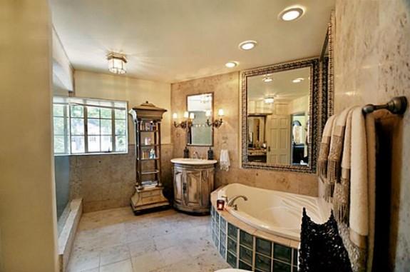 2142 Kessler Parkway Master Bath