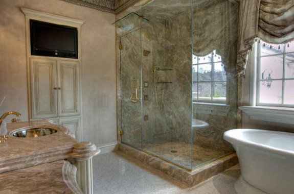 2307 River Oaks Blvd Houston master bath