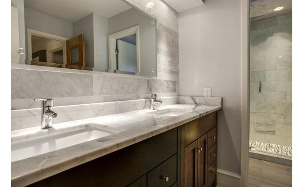 2401 Misty Haven bath