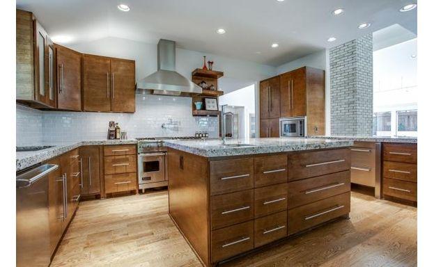 2401 Misty Haven kitchen