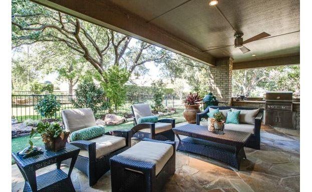 2401 Misty Haven porch