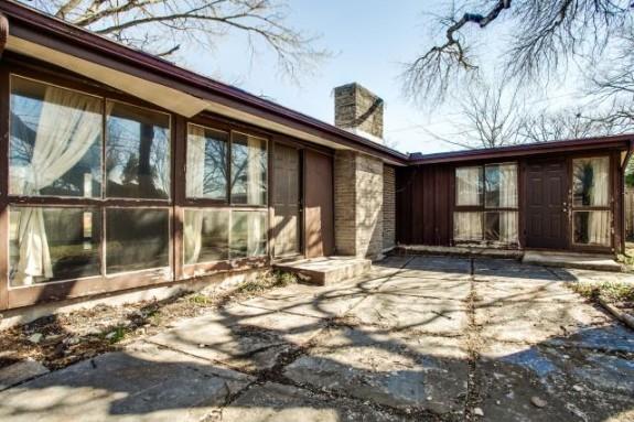 2604 Andrea Backyard