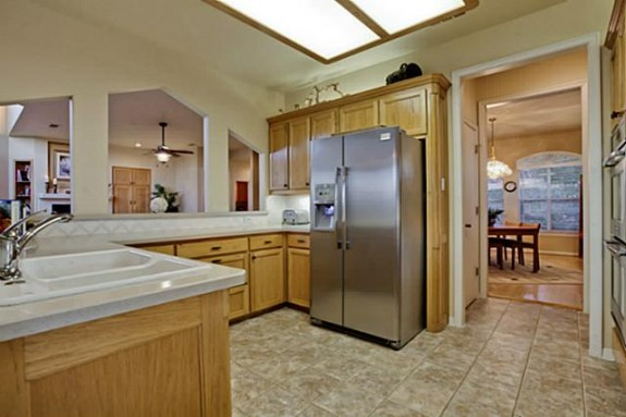 2811 Timber Crest Kitchen