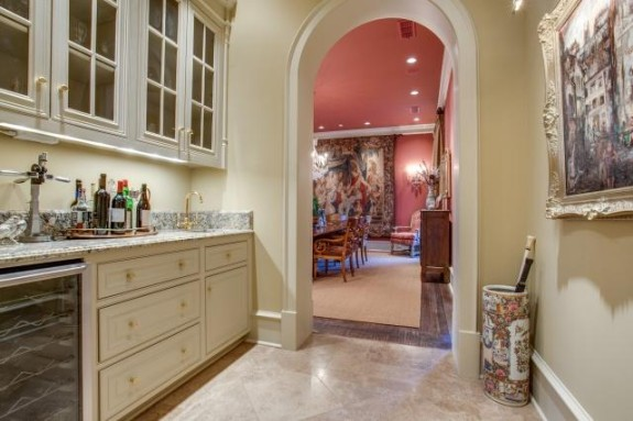 3056 Concord Wet bar