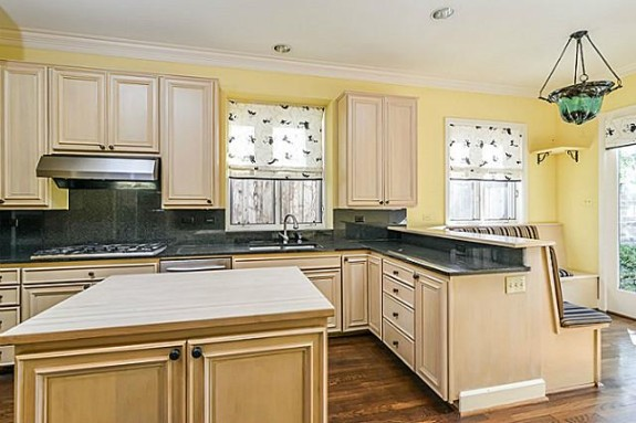 3203 Princeton kitchen