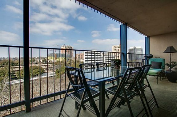 3310 Fairmount 10B Balcony