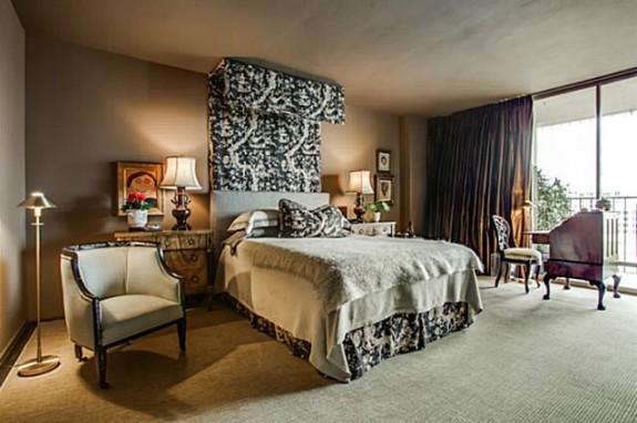3310 Fairmount 10B Master Bed