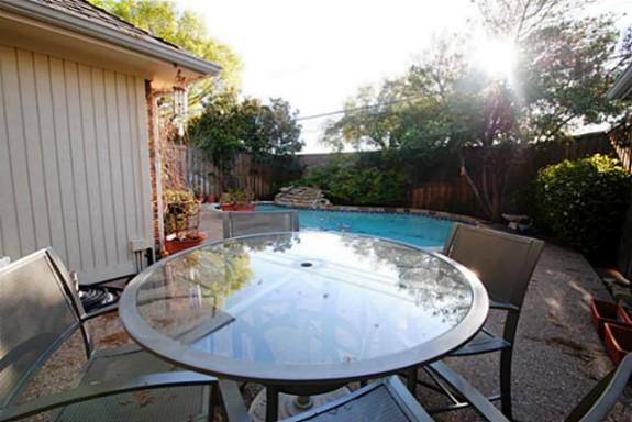 3513 Plymouth Backyard