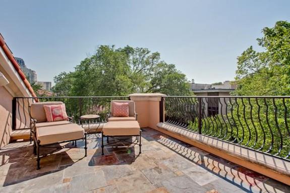 3725 Turtle Creek balcony