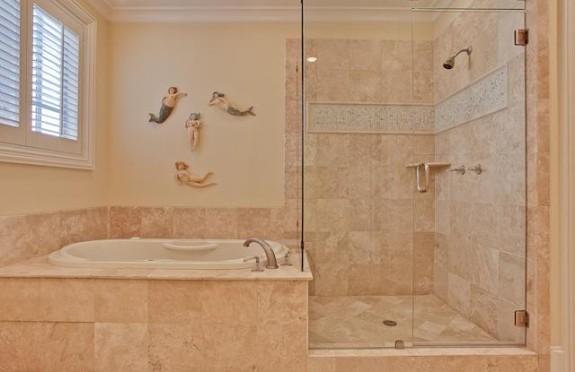 3725 Turtle Creek master bath 2