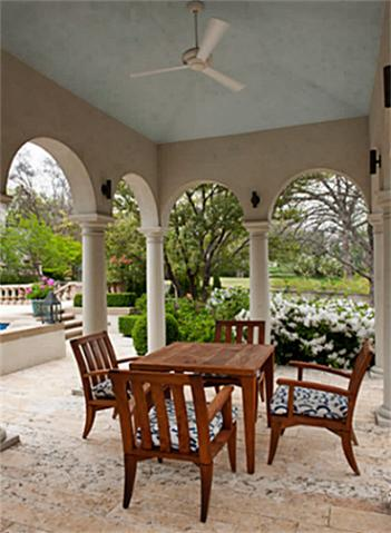 3828 Turtle Creek patio